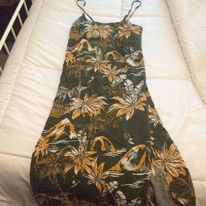 H&M Dresses - Tropical midi side slit dress